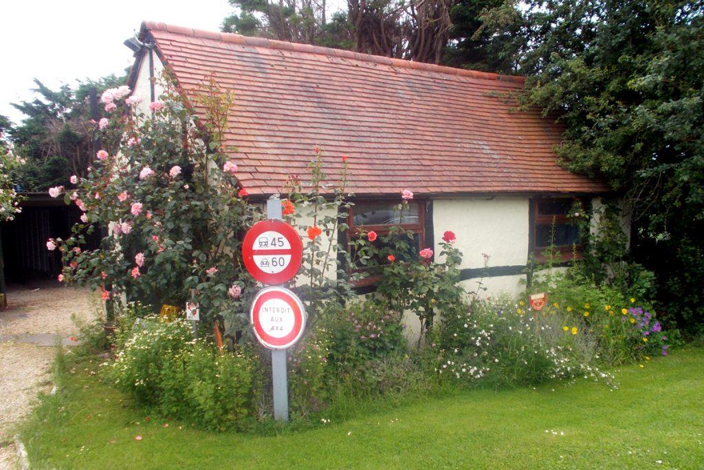 Frogfurlong Cottage Bed and Breakfast Down Hatherley Gloucester Garden Room exterior view