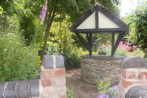 Frogfurlong-Cottage Bed and Breakfast Guest House Down Hatherley Gloucester garden well