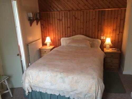 Courtyard Room bedroom.